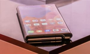 "At the MWC 2019 exhibition in February this year, the debut of Huawei's first folding screen Mate X was a great show. The aircraft defeated many powerful opponents in one fell swoop and won the ""MWC 2019 Best New Connected Mobile Device of MWC 2019"". GSMA CEO John Hoffman personally awarded the award to Huawei. Huawei officials also said that Mate X is a mass production machine, not a concept product, not innovative for innovation. After the Samsung Galaxy Fold's initial depreciation, the outside world's goal is more focused on Huawei Mate X. According to domestic media reports, on April 30th, Sichuan Mobile 5G application demonstration network scale completion conference was held in Chengdu. At the press conference, Huawei Mate X folding screen mobile phone debuted in Sichuan for the first time. The relevant person in charge of Huawei said that the 5G flagship mobile phone is expected to meet with the public in June this year. The price of this model in foreign countries is expected to be 17,000 yuan, and the domestic price will be slightly lower. Huawei Mate X adopts the internal folding screen design, and the core configuration is equipped with Kirin 980+ Barong 5000 baseband chip. The front is a 6.6-inch large screen (19.5:9 ratio, 2480x1148), which is consistent with the screen ratio of mainstream mobile phones. In addition, the back screen size is also 6.38 inches (25:9 ratio, 2480x892 resolution, edge built-in Leica three shots), after the expansion to form an 8-inch large screen (8:7.1 ratio, 2480x2200 resolution), can reach comparable to the tablet Shocking visual effects. After the screen is expanded, the operation interface can be divided into two, and the split screen interaction is performed, so that the two tasks can run synchronously."